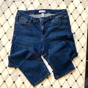 Lane Bryant Mid-Rise Straight Leg Jean - 18S